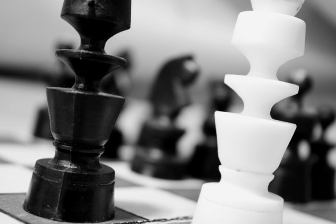 black-and-white-chess-chessman-2902-824x550